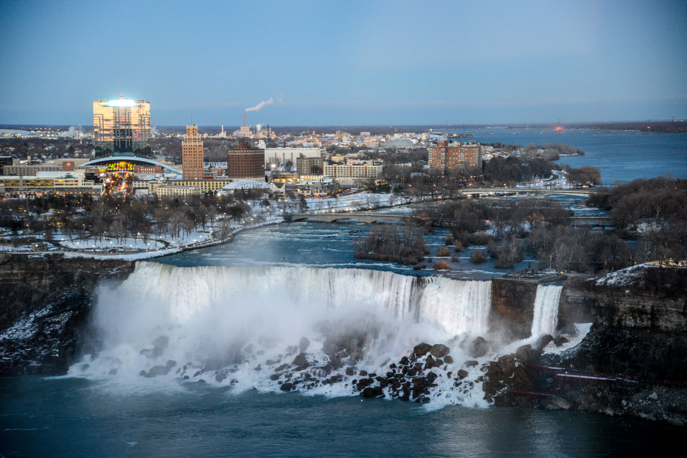 Niagara Falls is a group of three waterfalls between Ontario in Canada and New York State. 8 April 2017