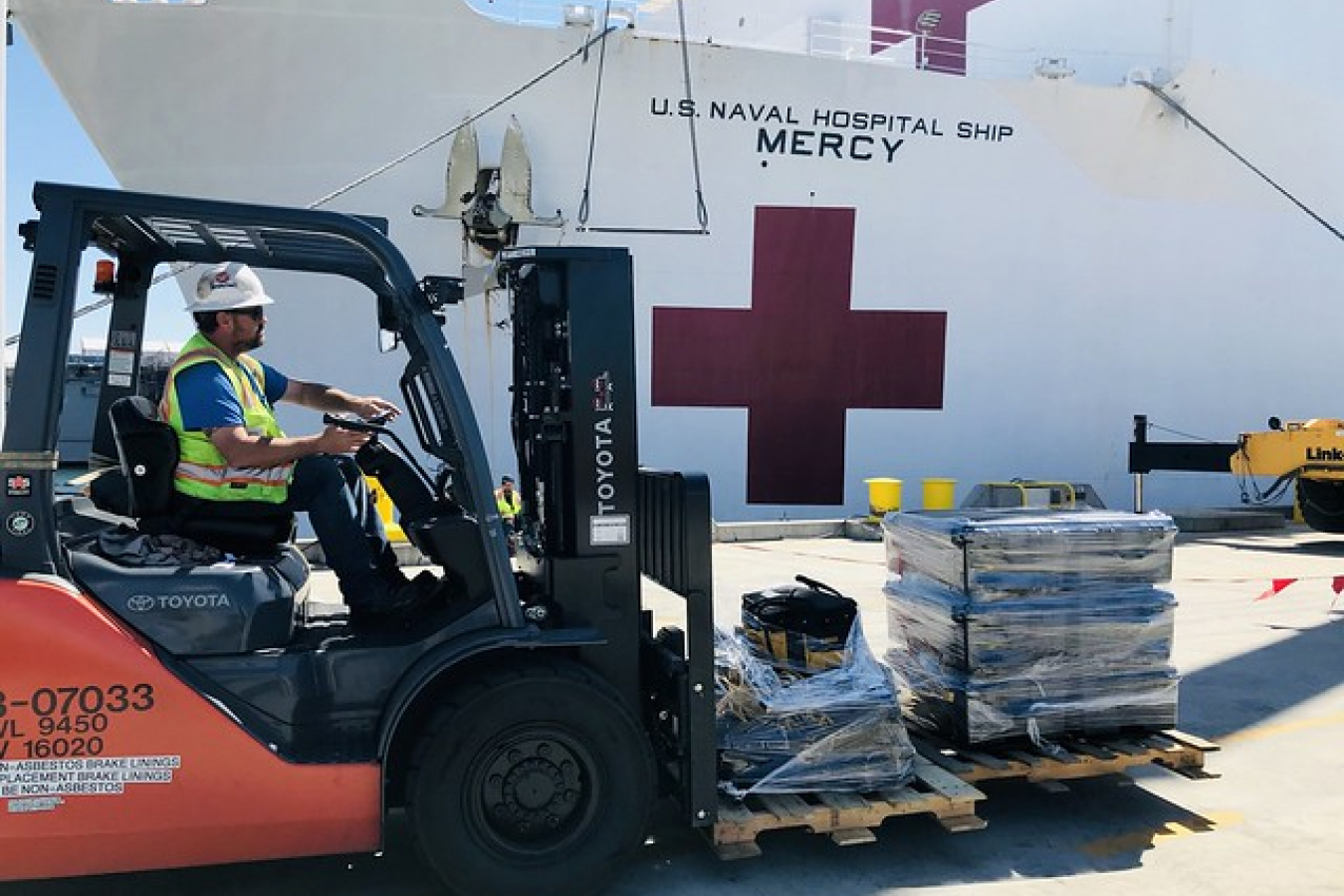 USNS Mercy (T-AH 19) takes on supplies for COVID-19 support.