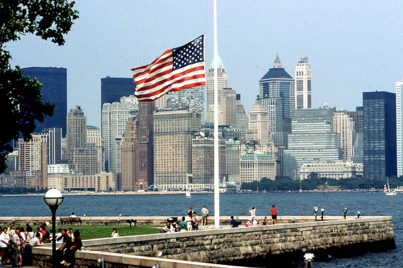 19950704 05 Manhattan Island from Ellis Island