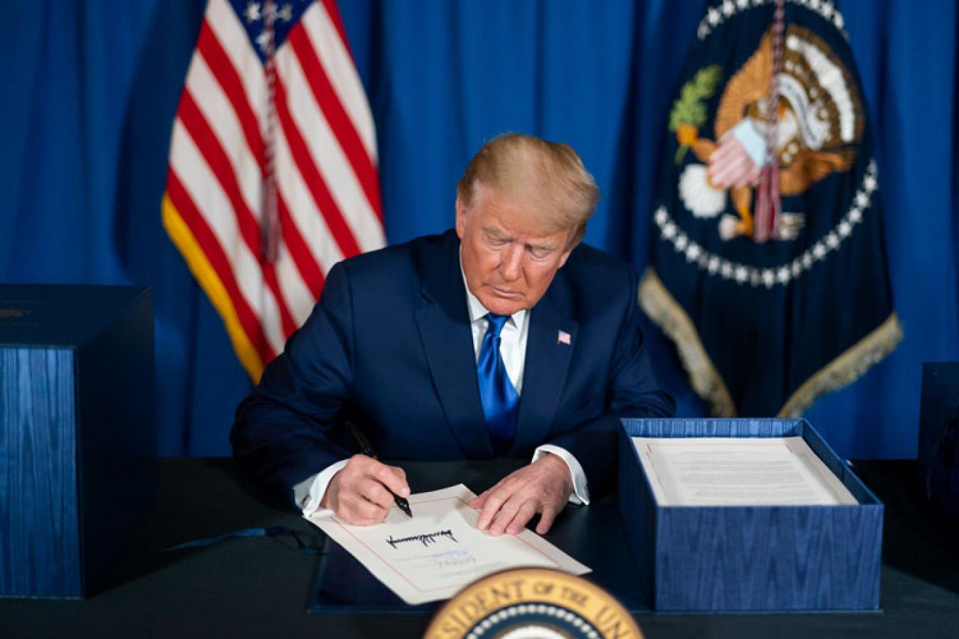 Donald Trump signing HR 133