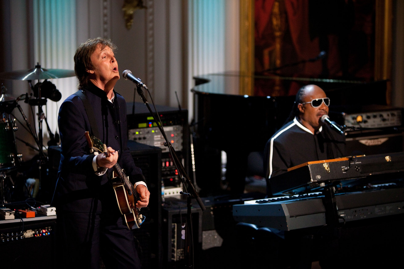 "Paul McCartney and Stevie Wonder perform ""Ebony and Ivory"" White House, 2 June 2010"